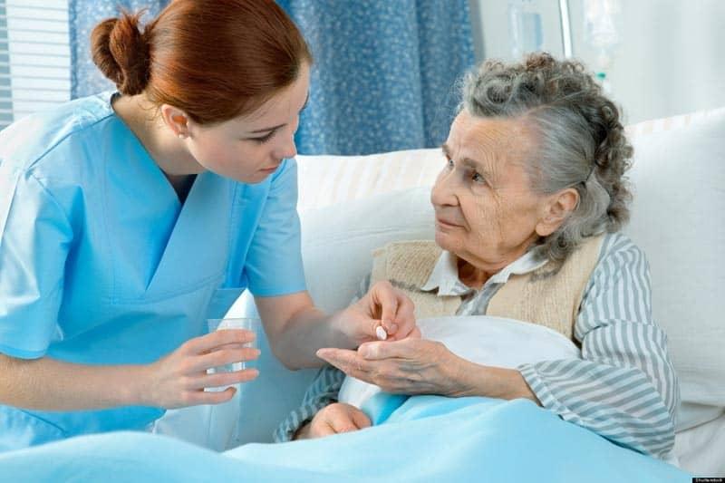 اللاجئون ليقديموا الرعاية  للمسنين .. مسألة تحتاج صبر عظيم! 2