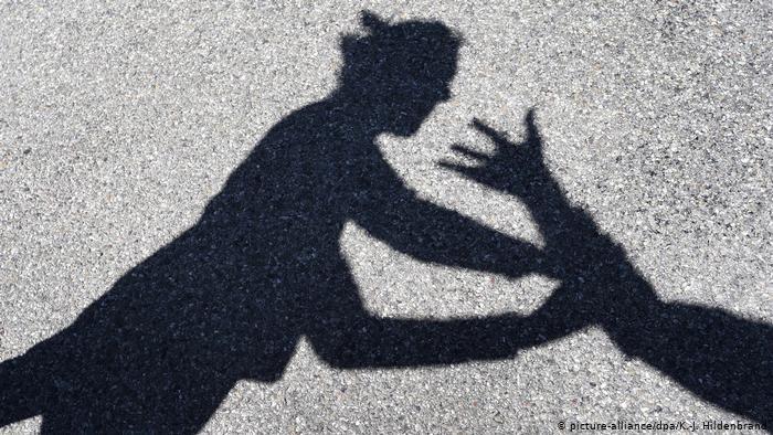حماية الرجال من العنف المنزلي