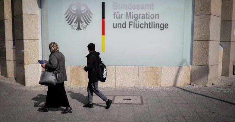 إلغاء قرارات لجوء