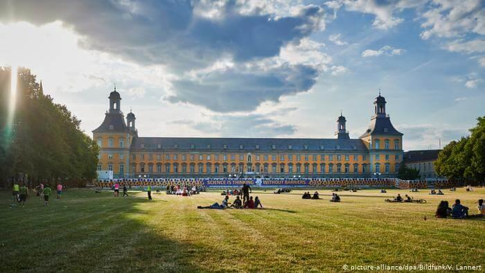 الجامعات التي أحرزت لقب جامعة ممتازة في ألمانيا