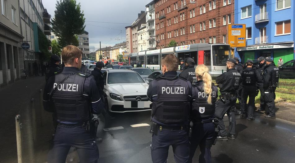 تقرير يتحدث عن المدينة الألمانية التي تعتبر معقلاً لحفلات الزفاف المجنونة