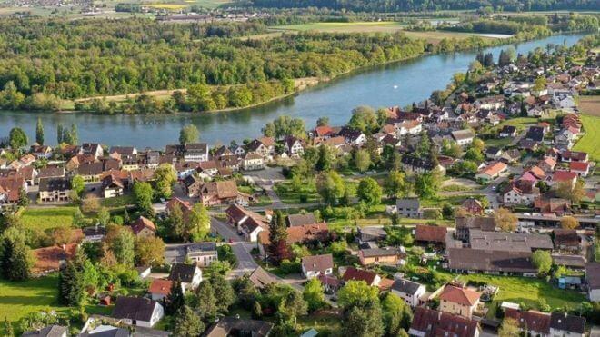 حكاية المدينة الألمانية التي تنتمي إلى سويسرا