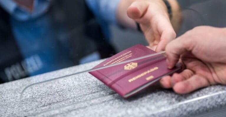 الكشف عن عدد الواصلين إلى البلاد جواً بطريقة غير شرعية منذ بداية 2019