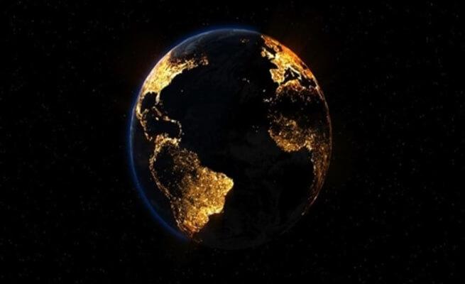 الأرض تغرق في الظلام 6 أيام بسبب عاصفة شمسية