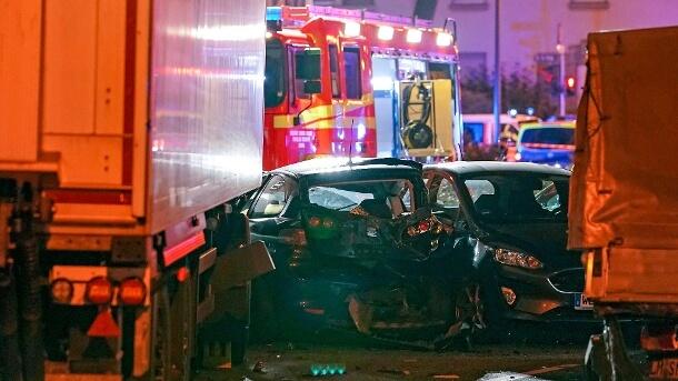 رجل سوري يسرق شاحنة ويدهس عدد من السيارات في ليمبورغ في ولاية هيسن في ألمانيا