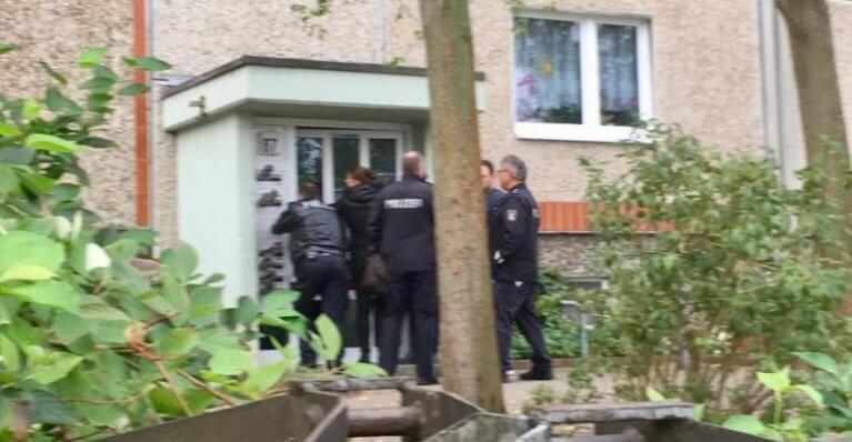الشرطة تنفذ عملية إخلاء قسري لشقة سوري