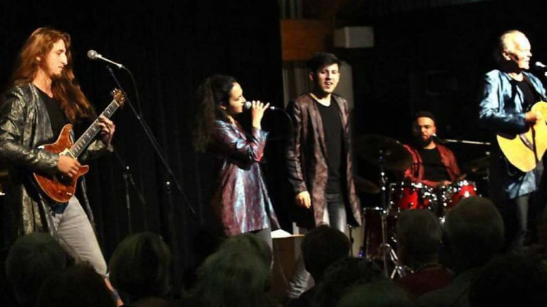 فرقة موسيقية تحيي حفلاً في مدينة ألمانية