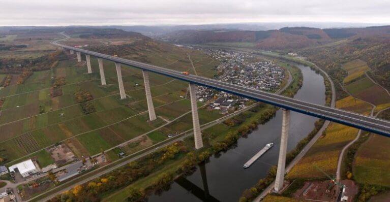 افتتاح أحد أكبر الجسور في ألمانيا