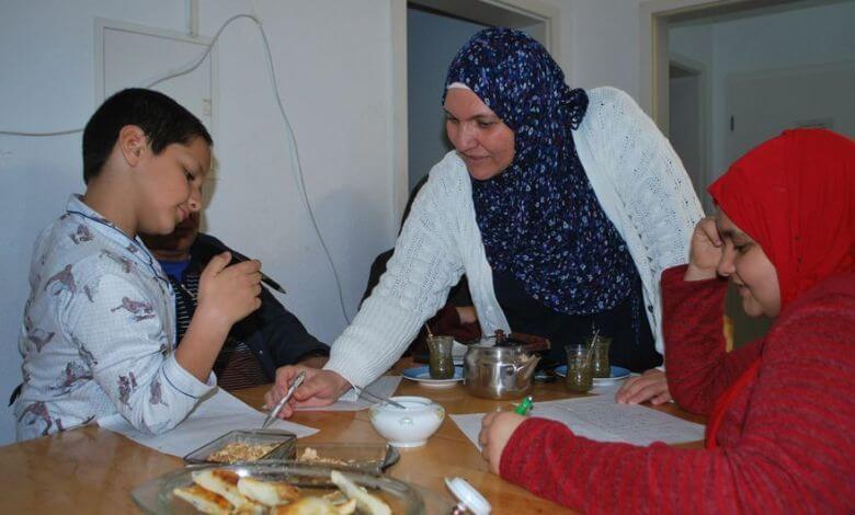 عائلة سورية تجتمع في ألمانيا باستثناء ابنة التي استثنتها القوانين