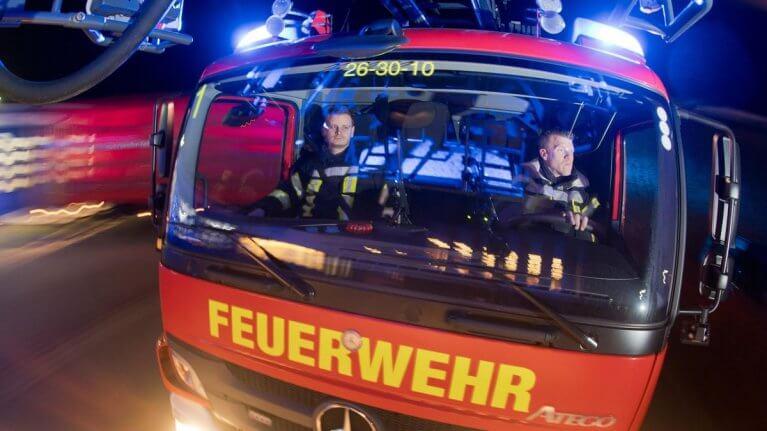 حريقٌ هائل يلتهمُ أحد المنازلِ في مدينةٍ ألمانية
