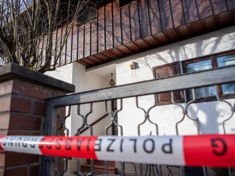 اِبنٌ يتسبب بمقتلِ والديهِ في مدينةٍ ألمانية