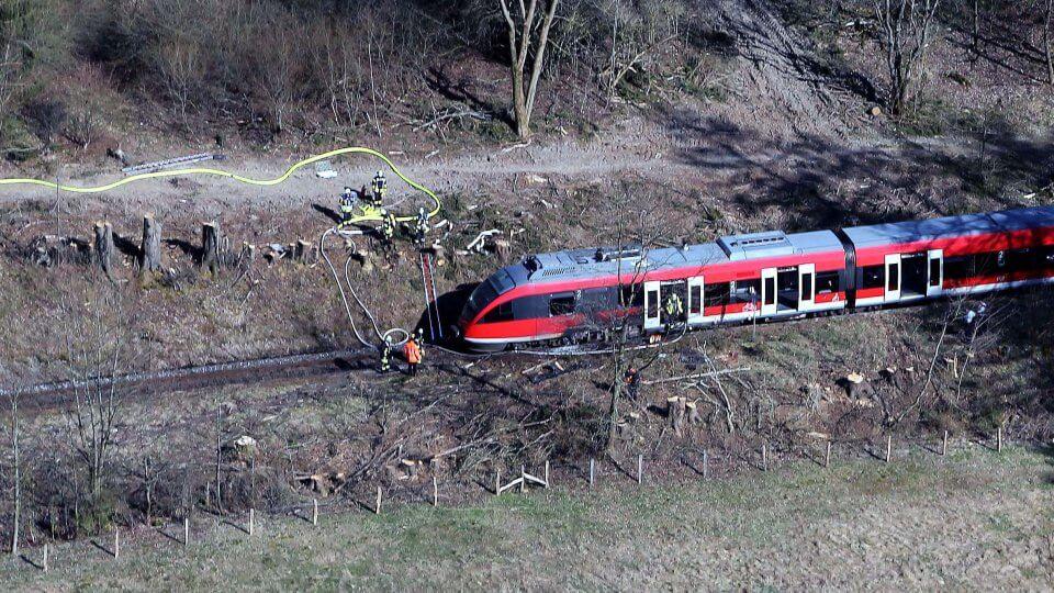 حريق مروع في قطار وتحليق لطائرات الشرطة الألمانية