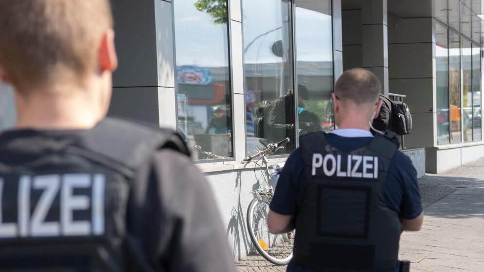 غارة على مواطني مدينة ألمانية