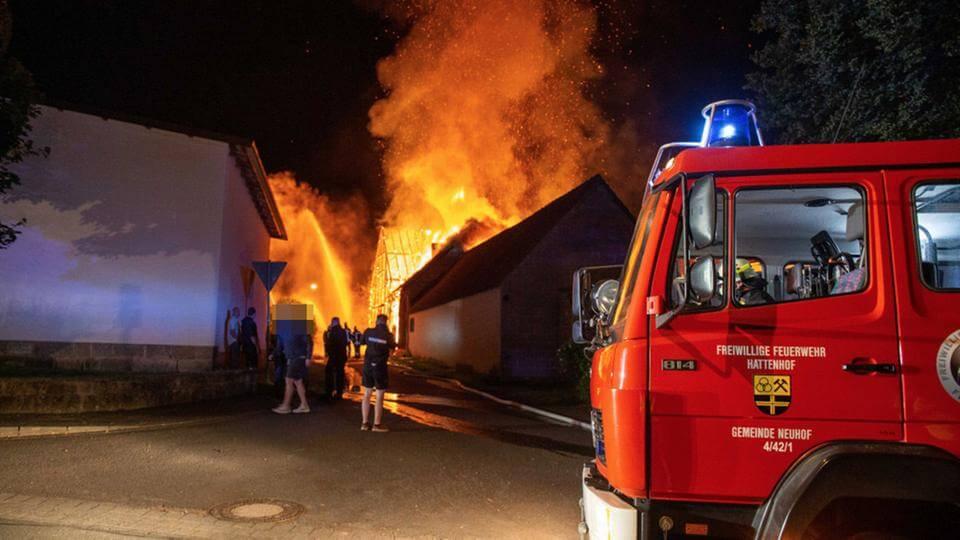 حريق يدمر مستودع للأخشاب في مقاطعة ألمانية