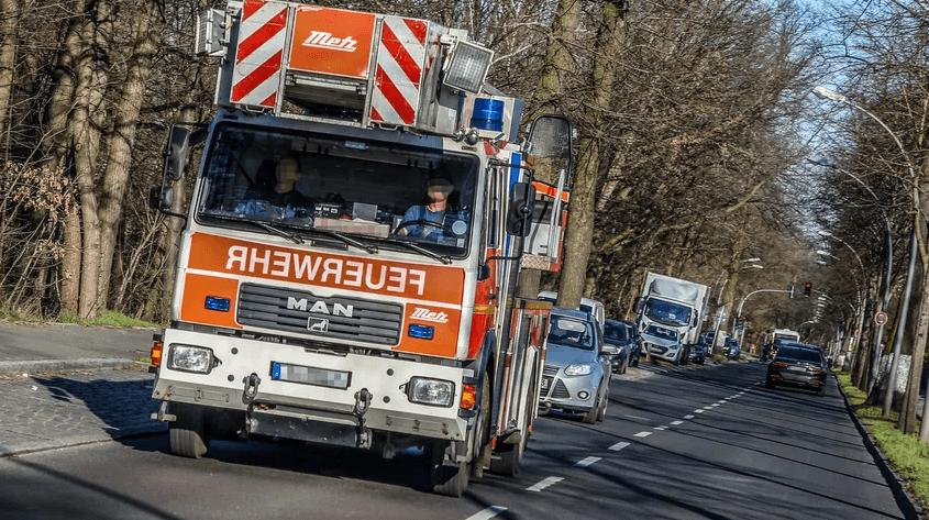 الأشجار المتساقطة تستدعي تأهب خدمات الطوارئ في مدينة ألمانية