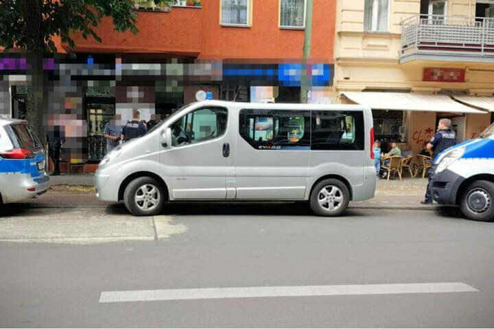 الشرطة الألمانية تداهم صالونات الحلاقة لهذا السبب