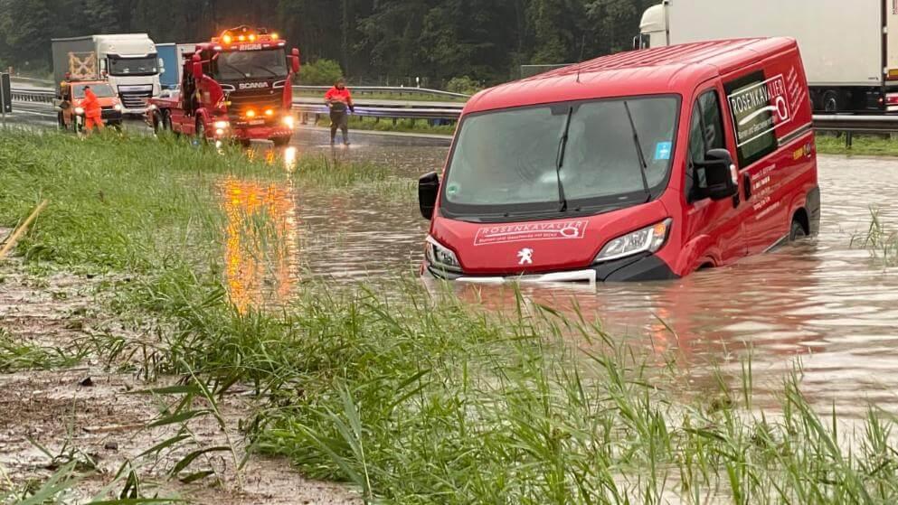 فوضى الفيضانات والعواصف في ولاية ألمانية!
