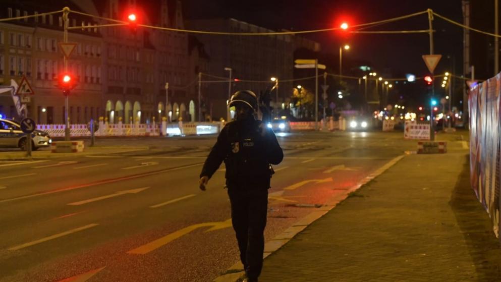 إعلان حالة تأهب أمني في مدينة ألمانية تستدعي مئات من رجال الشرطة و إغلاق شوارع