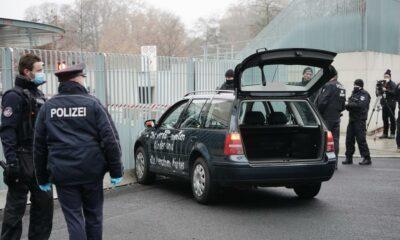 اصطدام سيارة بمقر المستشارة ميركل في العاصمة الألمانية برلين