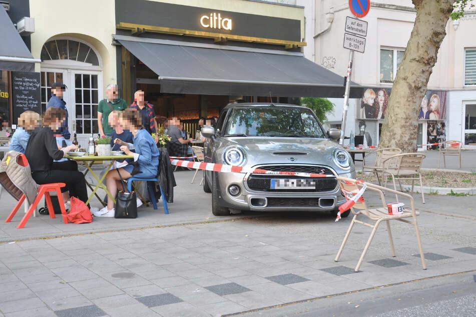 مطعم تاريخي في ألمانيا يتحايل بلوح خشبي على غلقه - القيادي
